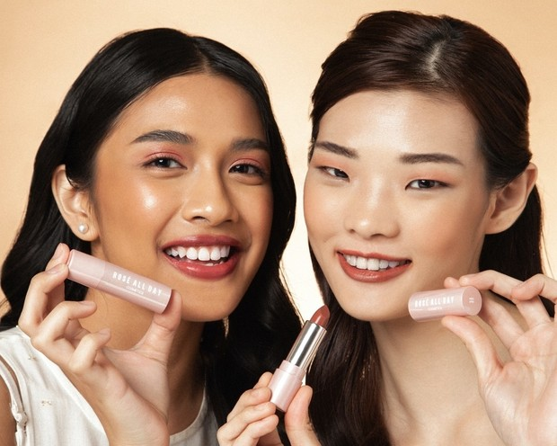 hasil aplikasi juicy lip balm