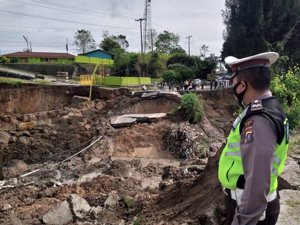 Jalan Amblas Masih Diperbaiki, Begini Rekayasa Arus Lalin Medan-Dairi