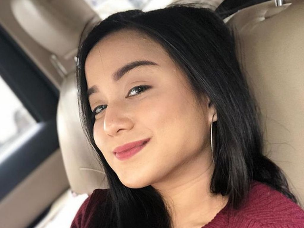 Pengakuan Anisa Bahar yang Tak Diundang ke Pernikahan Juwita Bahar