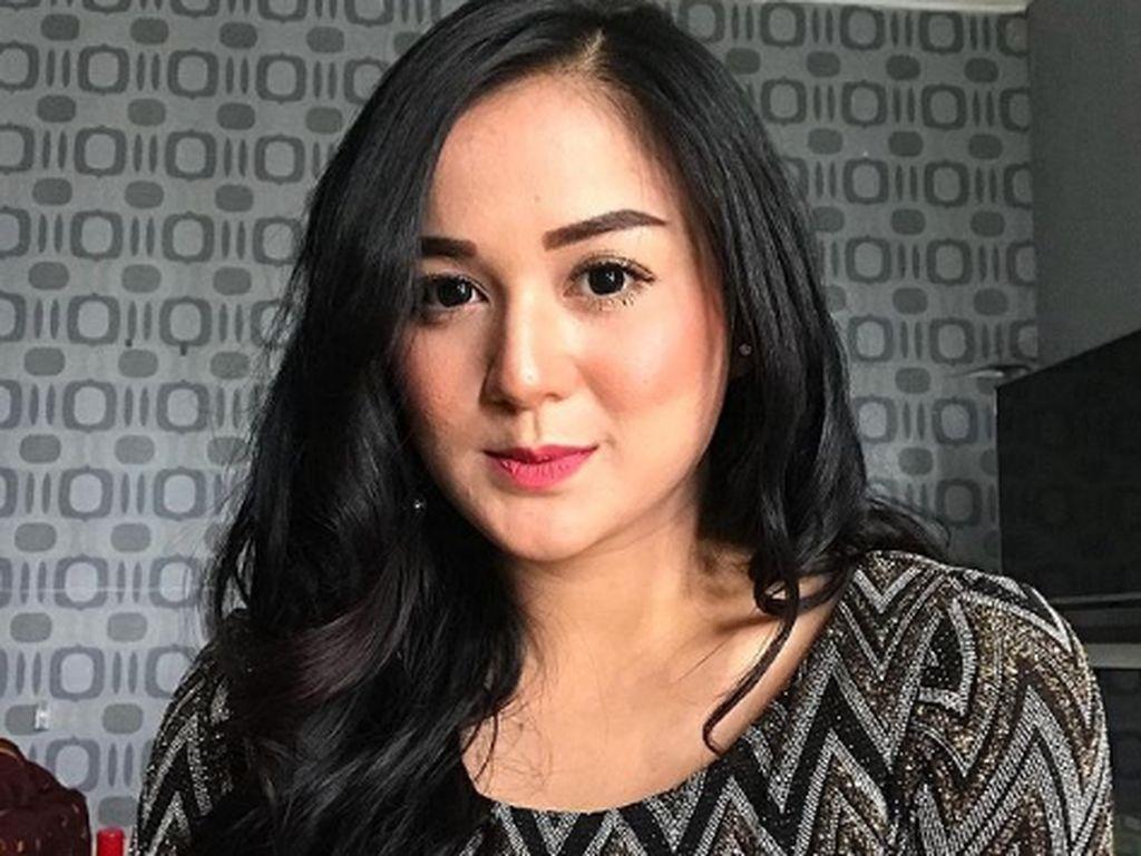 Juwita Bahar dan 7 Selebriti Indonesia yang Diet Tidak Makan Nasi