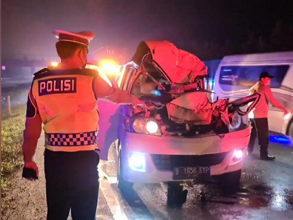 Kecelakaan di Tol Cipali, Mobil Remuk-Satu Orang Tewas