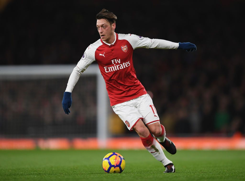 LONDON, ENGLAND - NOVEMBER 11:  Mesut Ozil of Arsenal looks on during the Premier League match between Arsenal FC and Wolverhampton Wanderers at Emirates Stadium on November 11, 2018 in London, United Kingdom.  (Photo by Clive Rose/Getty Images)