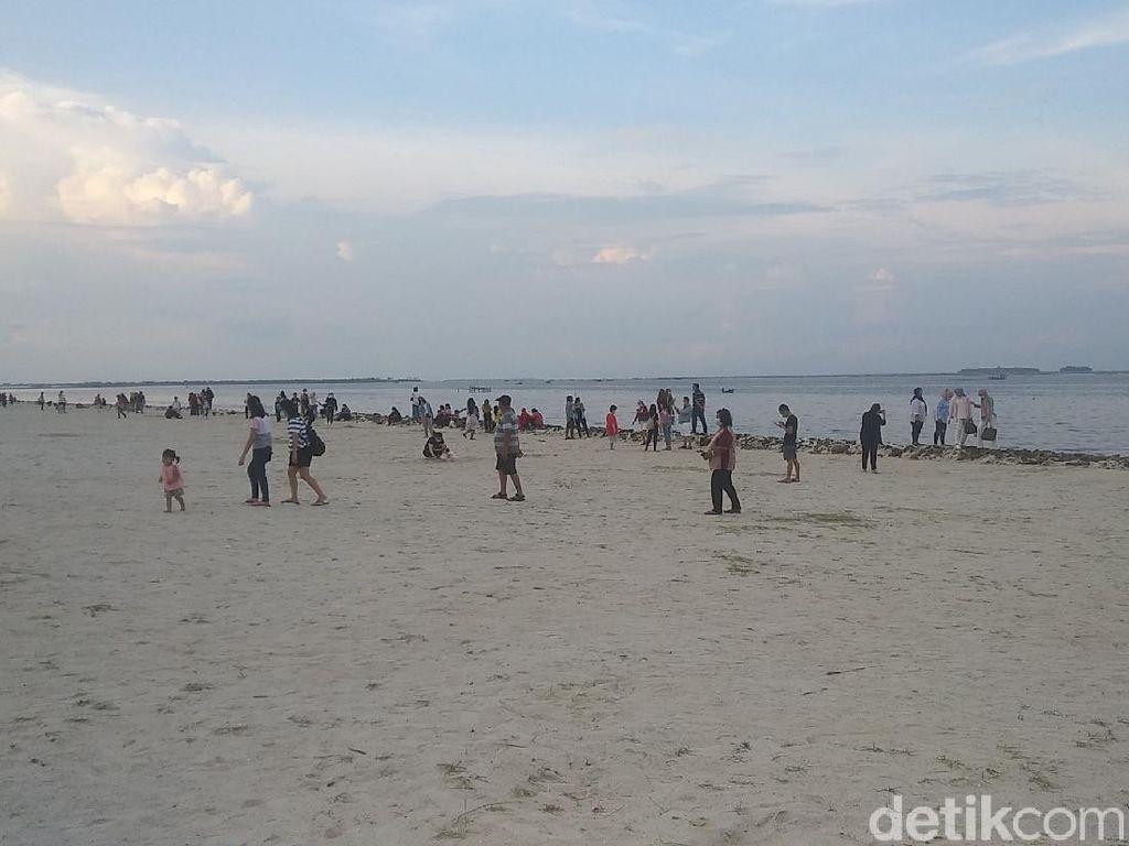 Bukan Cuma Kuliner, Pantai Indah Kapuk 2 Juga Punya Pantai Pasir Putih