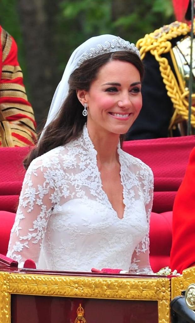Berawal dari Raja George VI kemudian Putri Elizabeth dan terakhir Kate Middleton.