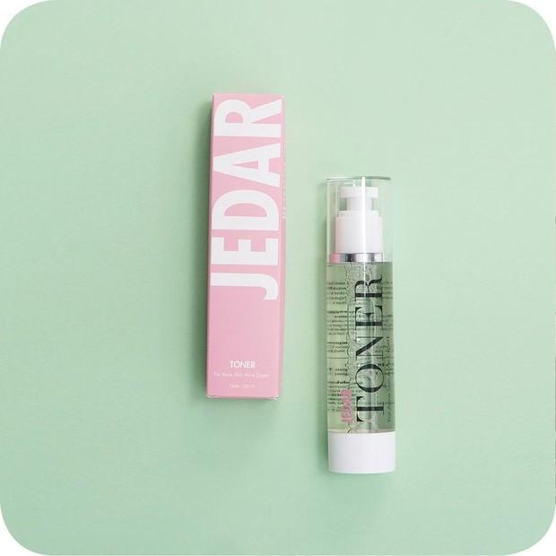 Produk skincare milik Jesica Iskandar yang bernama Jedar Cosmetics.