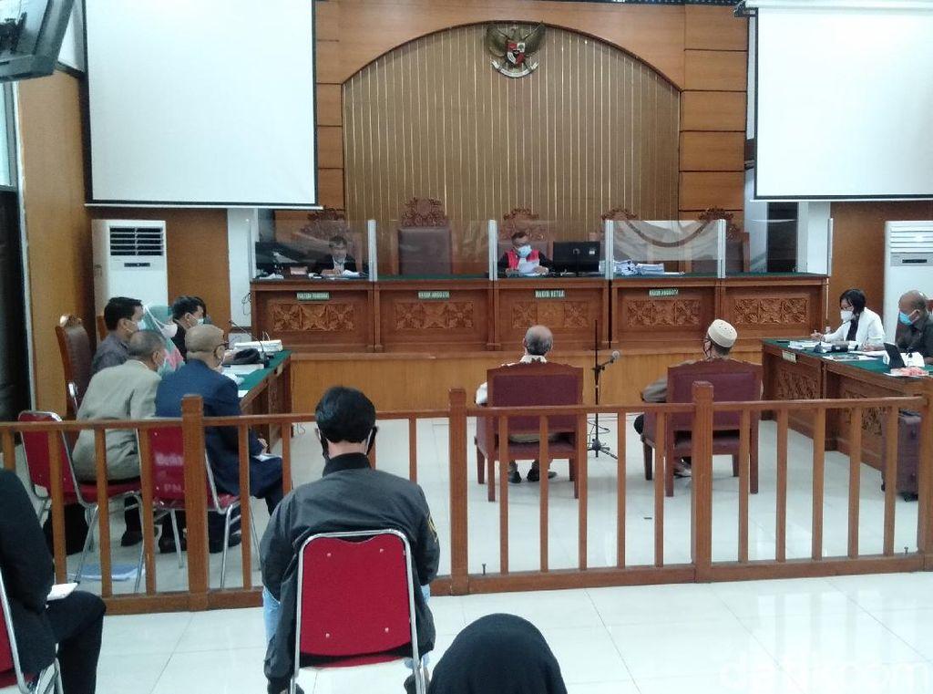 Hakim Tegur Saksi Habib Rizieq karena Keterangan Dinilai Tak Sinkron