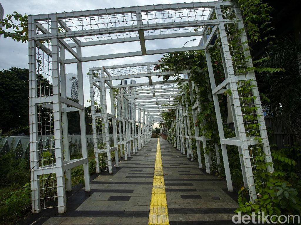 Begini Penampakan Taman Stasiun KA Bandara Sudirman Terkini