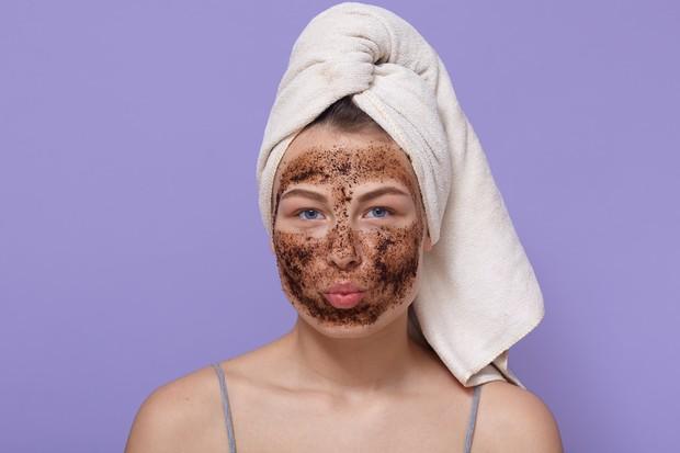 Hentikan scrub wajah untuk sementara.