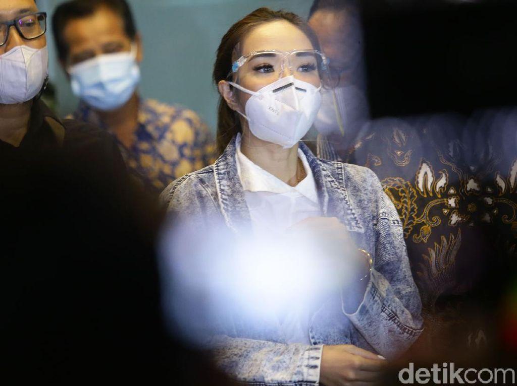 Asa Gisel Minta Kesaksian di Sidang Video Syur Ditunda Demi Keluarga