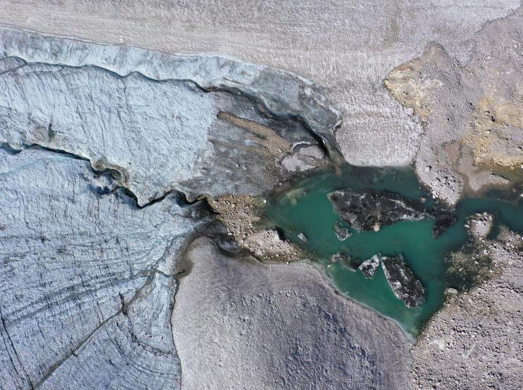 Gletser Terbesar dan Tertinggi di Jerman Terancam Hilang