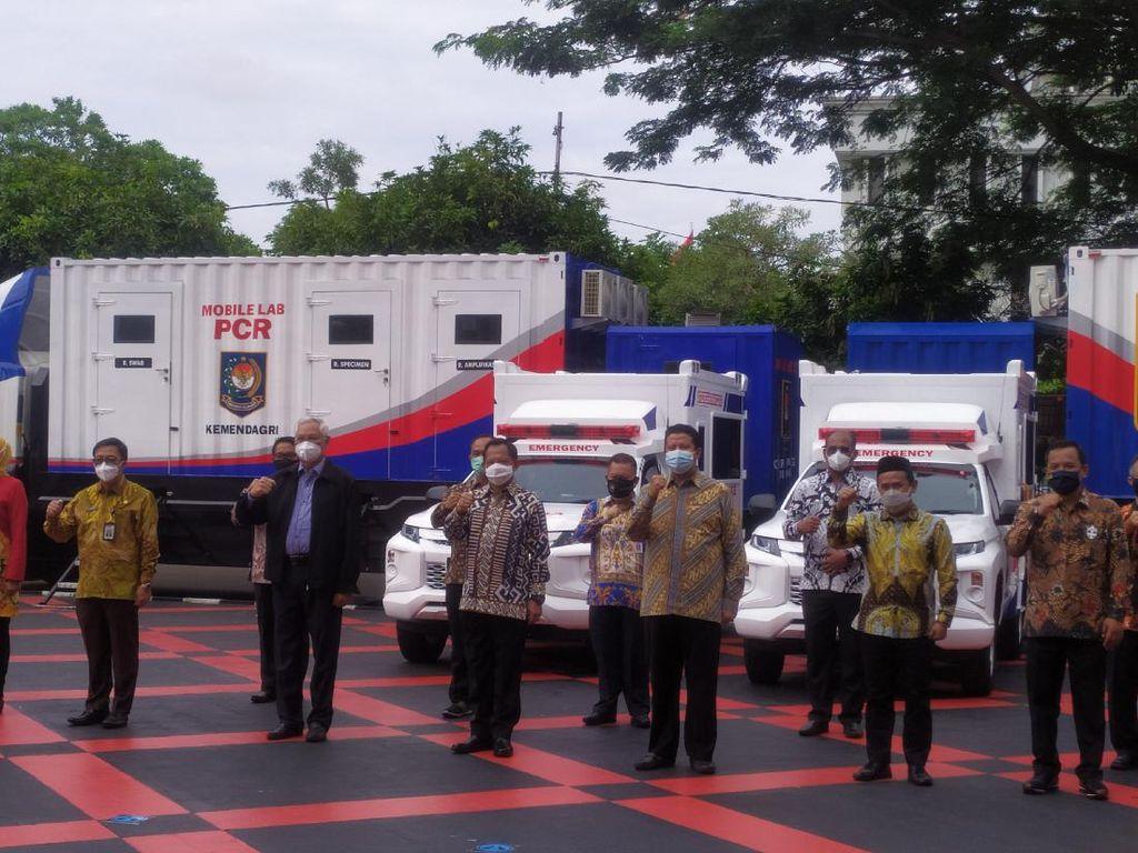 Cegah Klaster Kantor, Tito Siapkan Mobile PCR Lab-Ambulans di Kemendagri