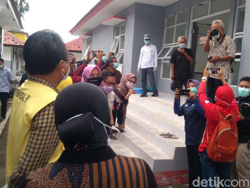 Ketemu Kastubi Lagi di Bekasi, Risma Tertawa: Settingan Katanya!