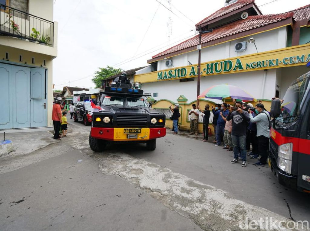 Jelang Kedatangan Baasyir, Tim Gabungan Patroli di Sekitar Ponpes Ngruki