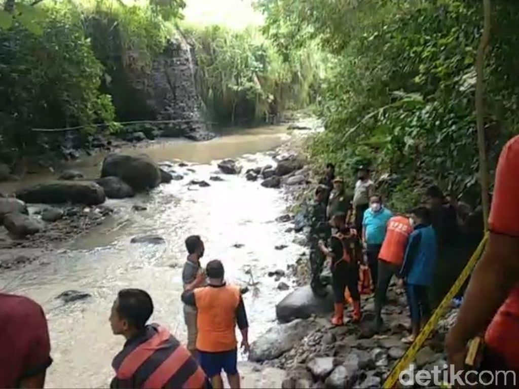 Warga Pasuruan Temukan Mayat Perempuan di Sungai Martupuro