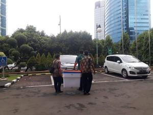 KPK Amankan Dokumen Kontrak Penyediaan Sembako Terkait Korupsi Bansos