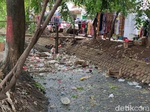Agar Sungai Bersih, Pedagang Pasar Sipon Tangerang Minta Ada Tong Sampah