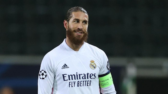 MOENCHENGLADBACH, GERMANY - OCTOBER 27: Sergio Ramos of Madrid is seen during the UEFA Champions League Group B stage match between Borussia Moenchengladbach and Real Madrid at Borussia-Park on October 27, 2020 in Moenchengladbach, Germany. (Photo by Lars Baron/Getty Images)