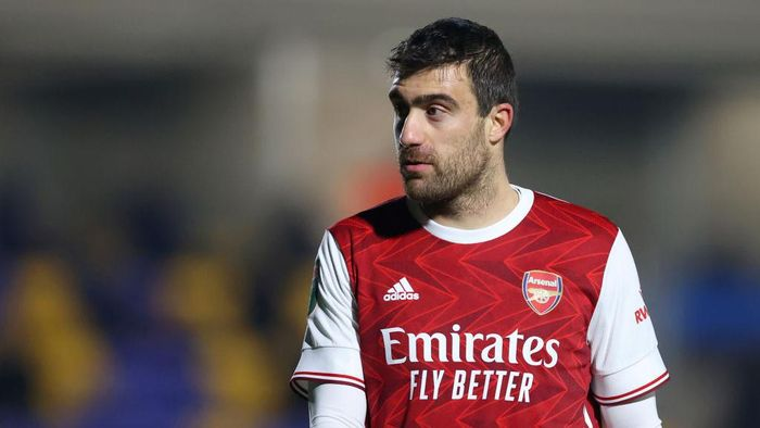 WIMBLEDON, ENGLAND - DECEMBER 08: Sokratis Papastathopoulos of Arsenal FC looks on during the Papa Johns Trophy Second Round match between AFC Wimbledon and Arsenal U21 at Plough Lane on December 08, 2020 in Wimbledon, England. (Photo by James Chance/Getty Images)