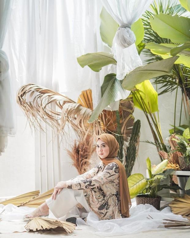 Bisnis fashion Kesha Ratuliu yang bernama Feika.