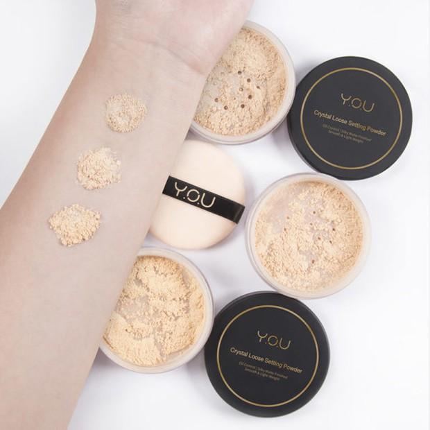 Y.O.U Makeup Crystal Look Setting Powder meghasilkan riasan yang flawless/you-makeup.com