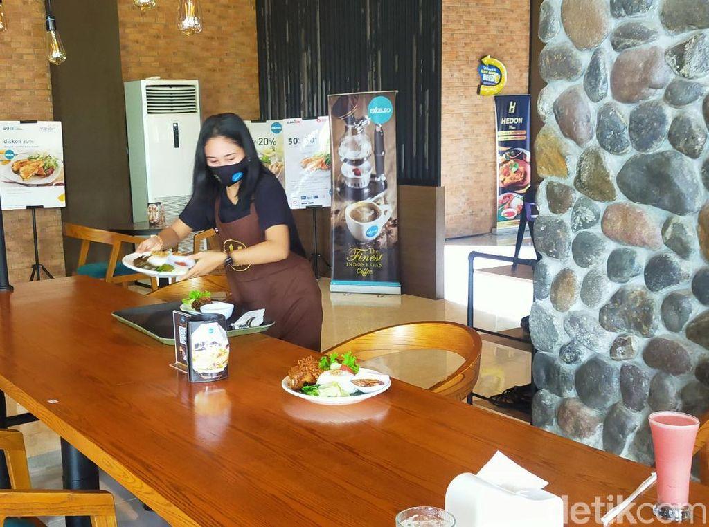 Kafe di Banyuwangi Seluas 2 Hektar Tawarkan Kuliner Tradisional hingga Western