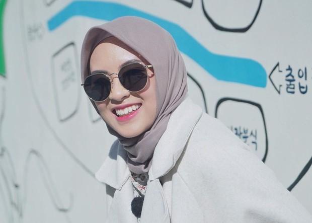 Bianca Kartika memakai hijab warna coklat/instagram.com/biancakartika