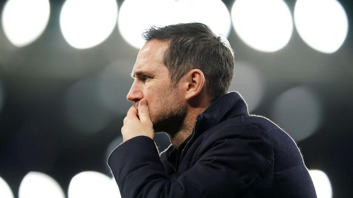 LIVERPOOL, ENGLAND - DECEMBER 12: Frank Lampard, Manager of Chelsea  prior to the Premier League match between Everton and Chelsea at Goodison Park on December 12, 2020 in Liverpool, England. A limited number of spectators (2000) are welcomed back to stadiums to watch elite football across England. This was following easing of restrictions on spectators in tiers one and two areas only. (Photo by Jon Super - Pool/Getty Images)