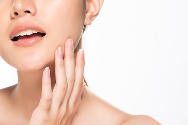 Bagi wanita yang memiliki kulit sensitif atau berjerawat menghindari pemakaian minyak zaitun.