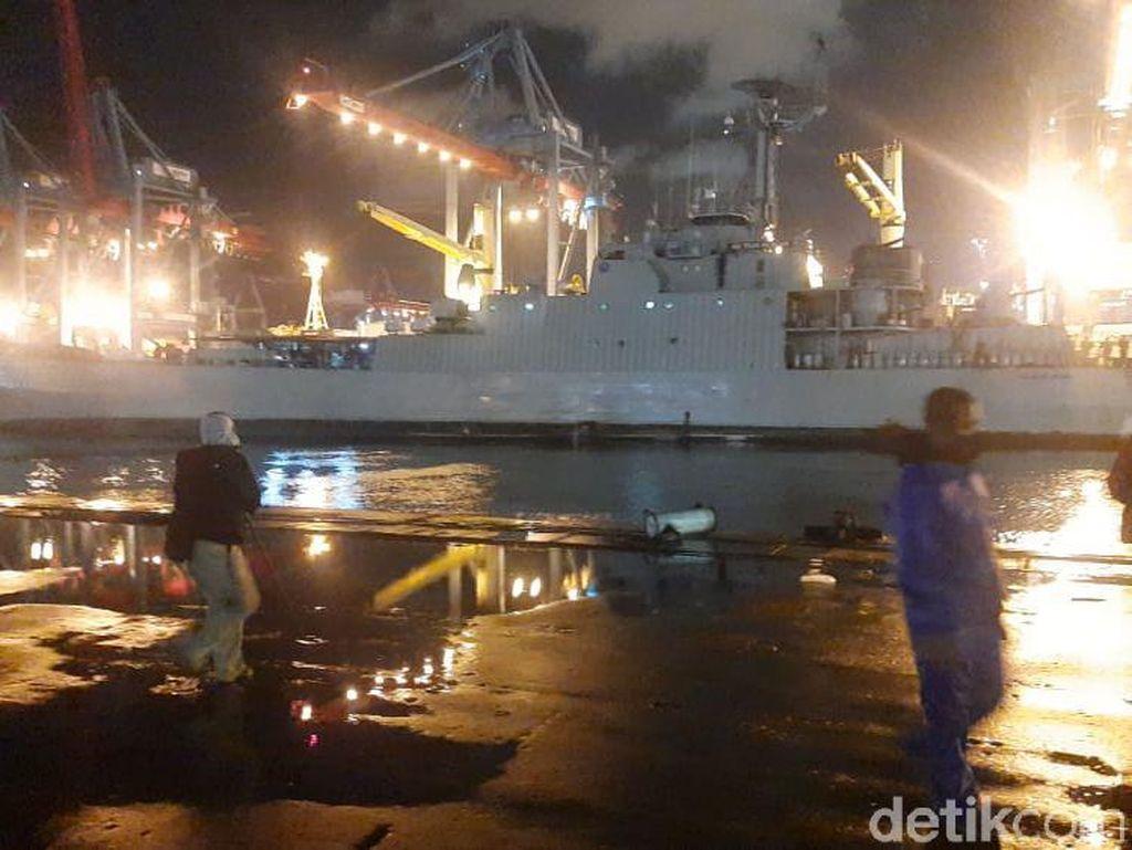 KRI Gilimanuk Tiba di Sekitar Lokasi Jatuhnya Sriwijaya Air SJ182
