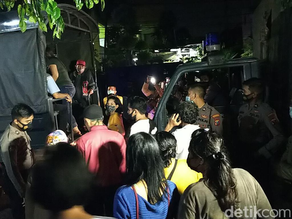 Puluhan Warga Surabaya Terjaring Operasi Yustisi, 63 Orang Di-Swab