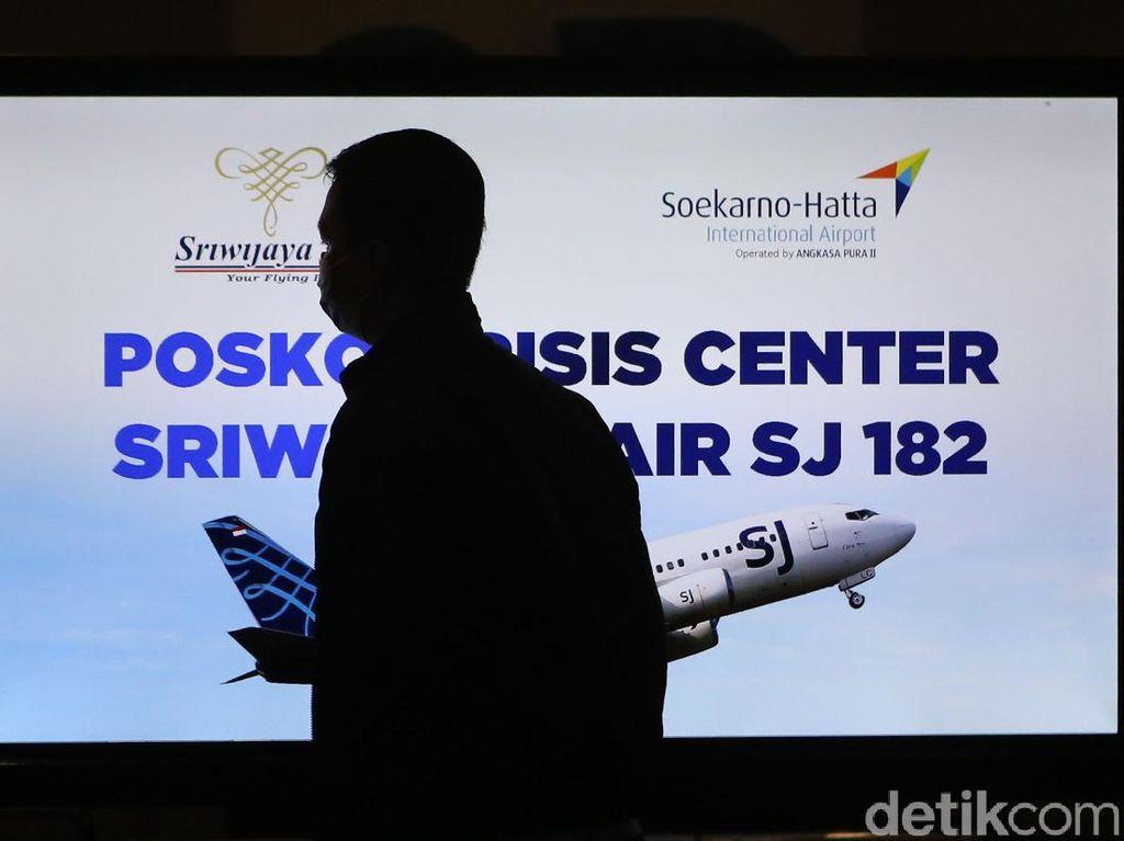 Pesawat Sriwijaya Air yang Jatuh Berusia 26 Tahun, Berapa Batasnya?