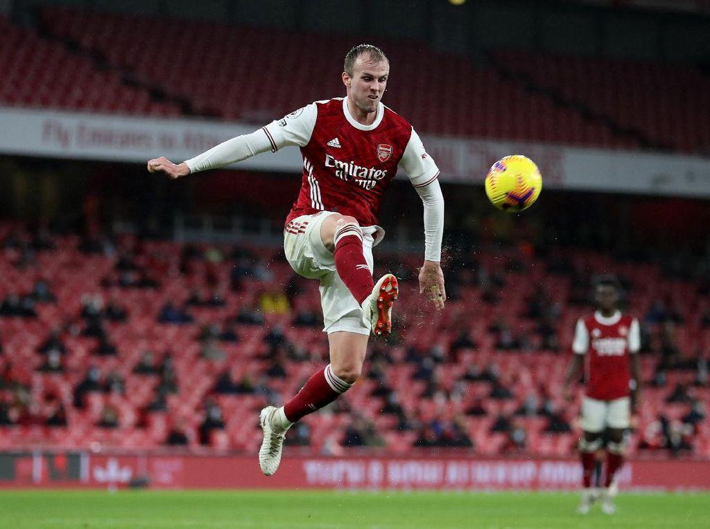Rob Holding Menjelma Jadi Bek Tangguh di Arsenal