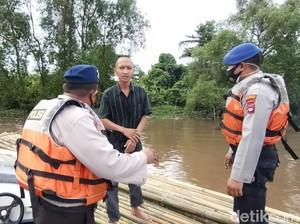 Polisi Gagalkan Pria Mau Berlayar dari Kalsel ke Yogya Naik Rakit Bambu
