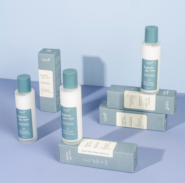 Produk ini cocok untuk kamu yang memiliki kulit kering dan sensitif.
