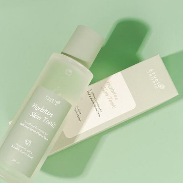 Produk ini cocok untuk  kamu yang memiliki kulit berminyak dan sensitif.