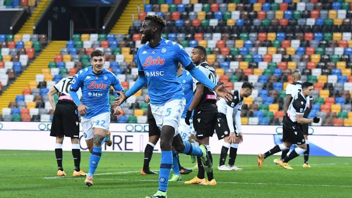 UDINE, ITALY - JANUARY 10: Tiemoue Bakayoko of S.S.C. Napoli celebrates after scoring their teams second goal during the Serie A match between Udinese Calcio and SSC Napoli at Dacia Arena on January 10, 2021 in Udine, Italy. Sporting stadiums around Italy remain under strict restrictions due to the Coronavirus Pandemic as Government social distancing laws prohibit fans inside venues resulting in games being played behind closed doors. (Photo by Alessandro Sabattini/Getty Images)