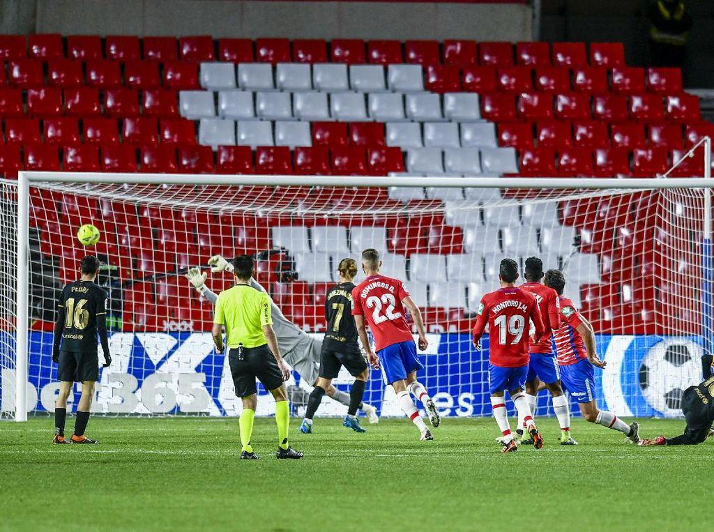 Granada Vs Barcelona: Messi-Griezmann Menangkan Barca 4-0