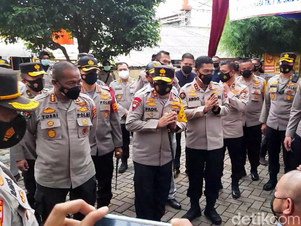 Sambangi RS Polri, Kapolda Metro Sapa Keluarga Korban Sriwijaya Air SJ182