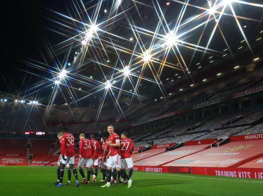 Jelang Burnley Vs MU: Peluang Setan Merah Geser Liverpool dari Puncak