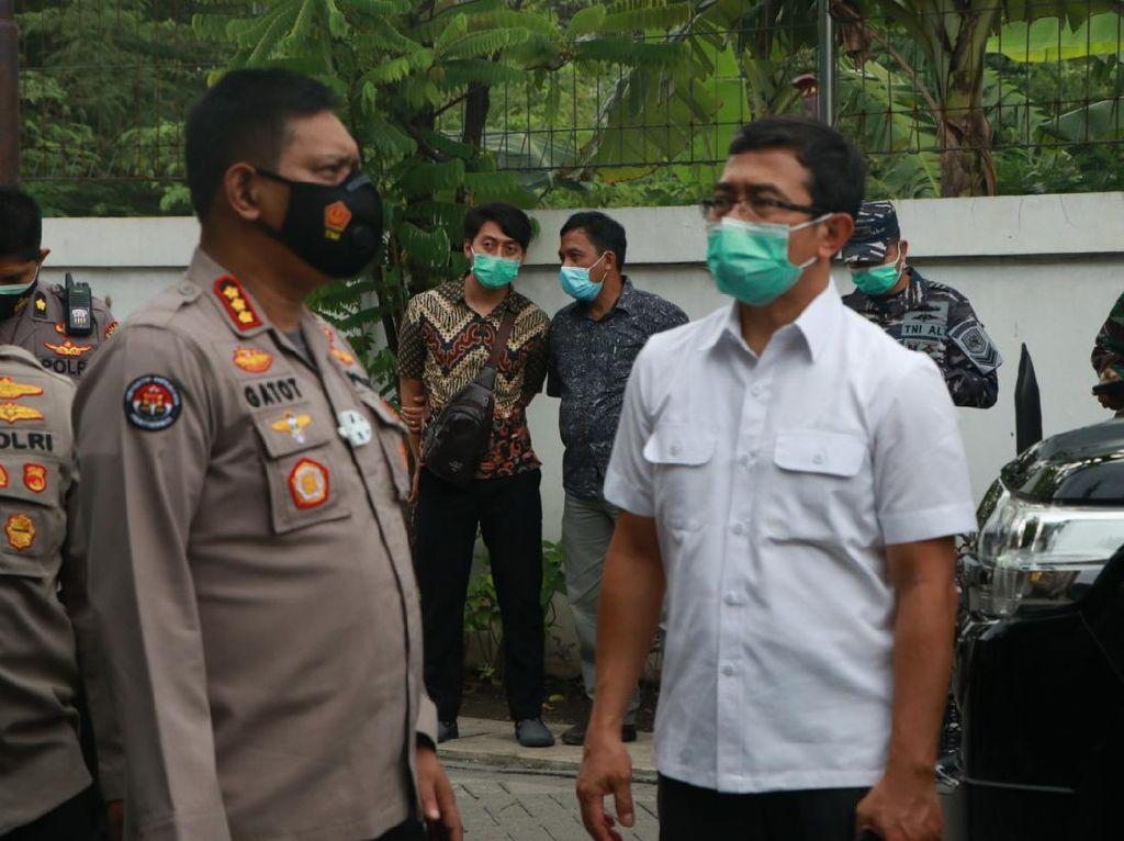 Keluarga Kru Sriwijaya Air SJ182 Fadly Satrianto di Surabaya Tak ke Jakarta