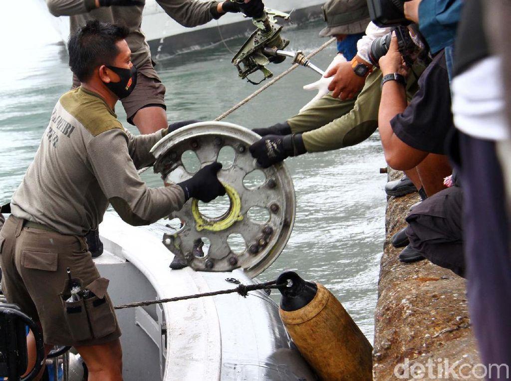 Penyebab Pilot Tak Recovery Saat Sriwijaya Air SJ128 Menurun Masih Misterius