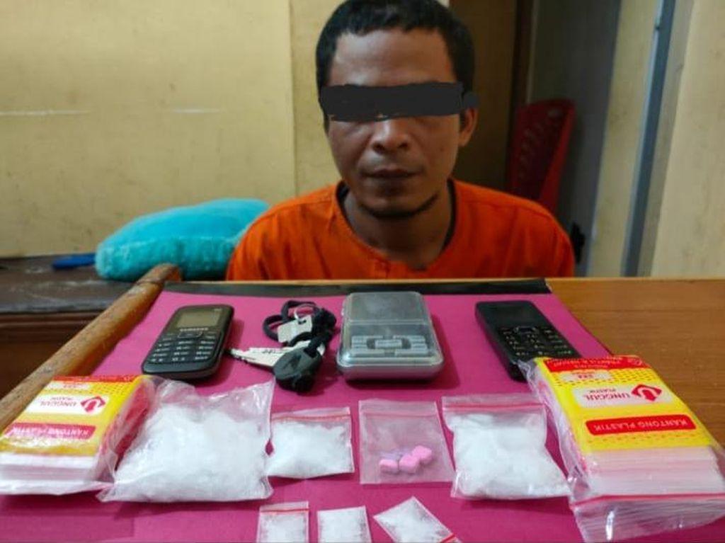 Nyambi Jadi Kurir Narkoba, Sopir di Pekanbaru Ditangkap dengan 6 Paket Sabu