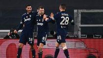 Juventus Hancurkan 10 Pemain Sassuolo