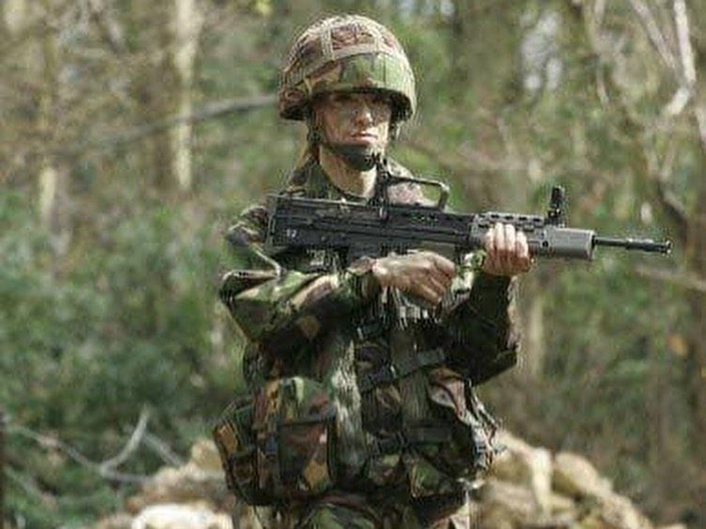 Ratu Kecantikan Ini Disebut Marinir Barbie, Tak Disangka Pernah Tugas di Irak