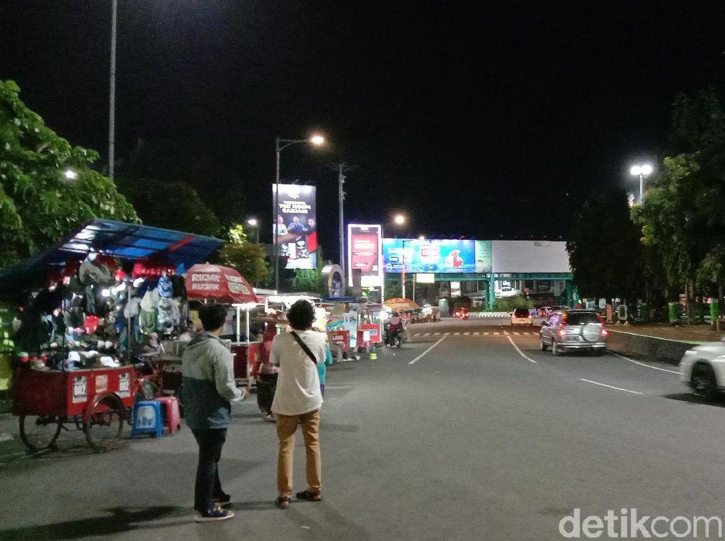 PPKM di Kudus Dibatasi Jam 7 Malam, Alun-alun dan Balai Jagong Masih Ramai