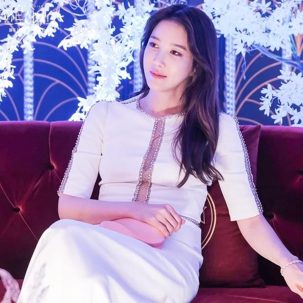 Lee Ji Ah pemeran Shim So Ryeon dalam drama 'The Penthouse : War in Life'.