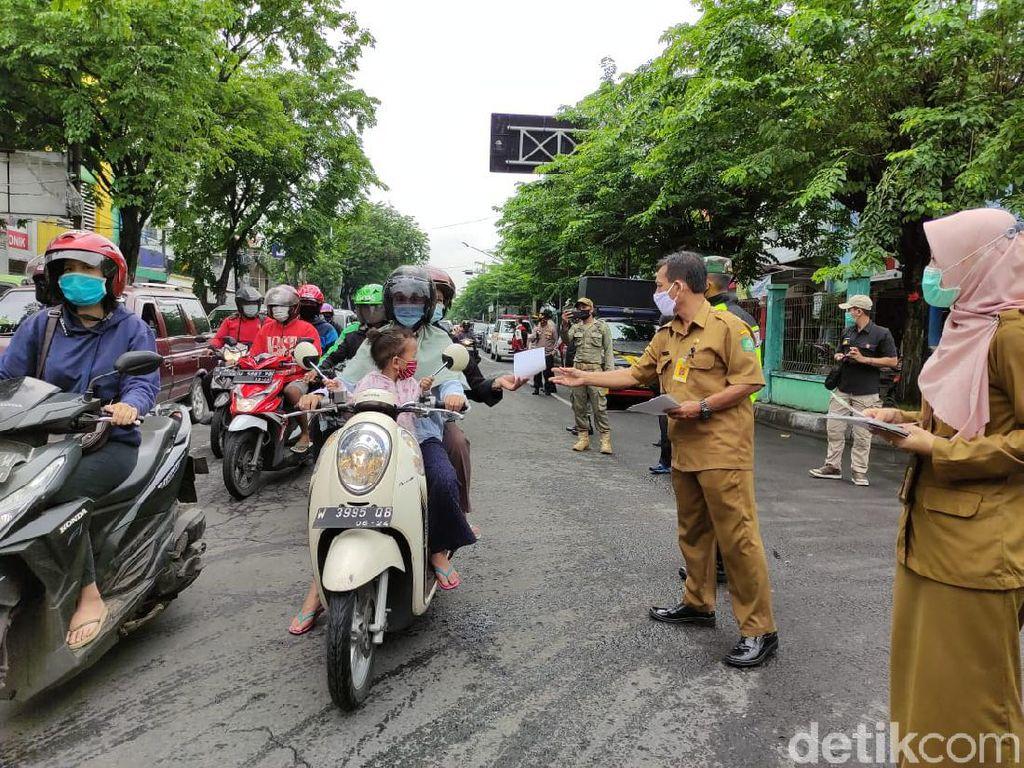 PPKM Hari Pertama Sidoarjo, Petugas Operasi Yustisi di 3 Lokasi