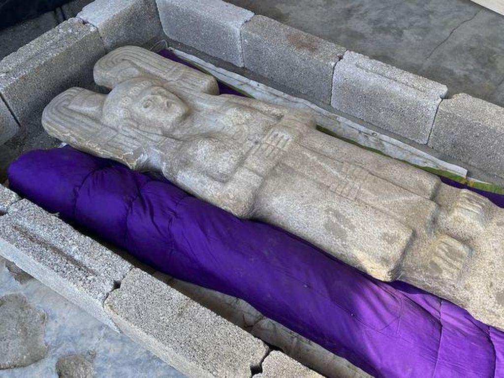 Petani Meksiko Temukan Patung Wanita Langka di Kebun Jeruk