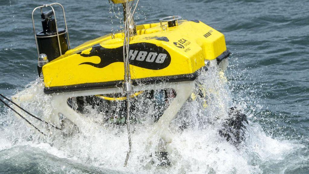 Robot Bawah Laut Cari Puing Sriwijaya Air SJ182