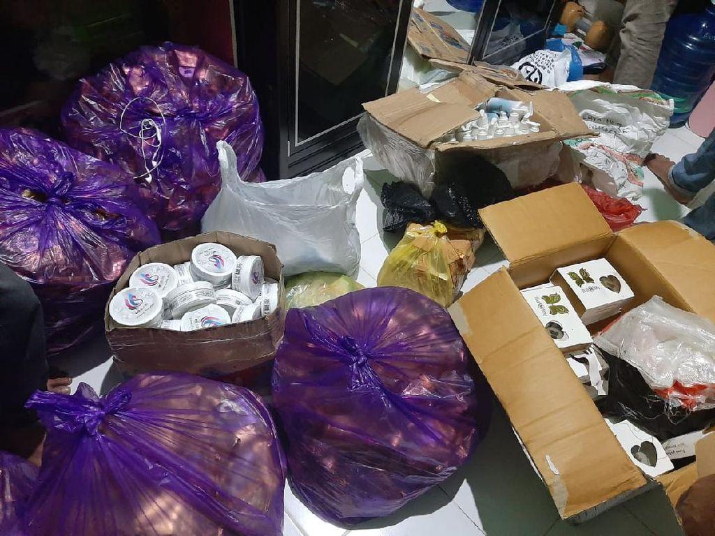 Produksi 850 Paket Kosmetik Ilegal di Rumah, 3 Warga Makassar Ditangkap